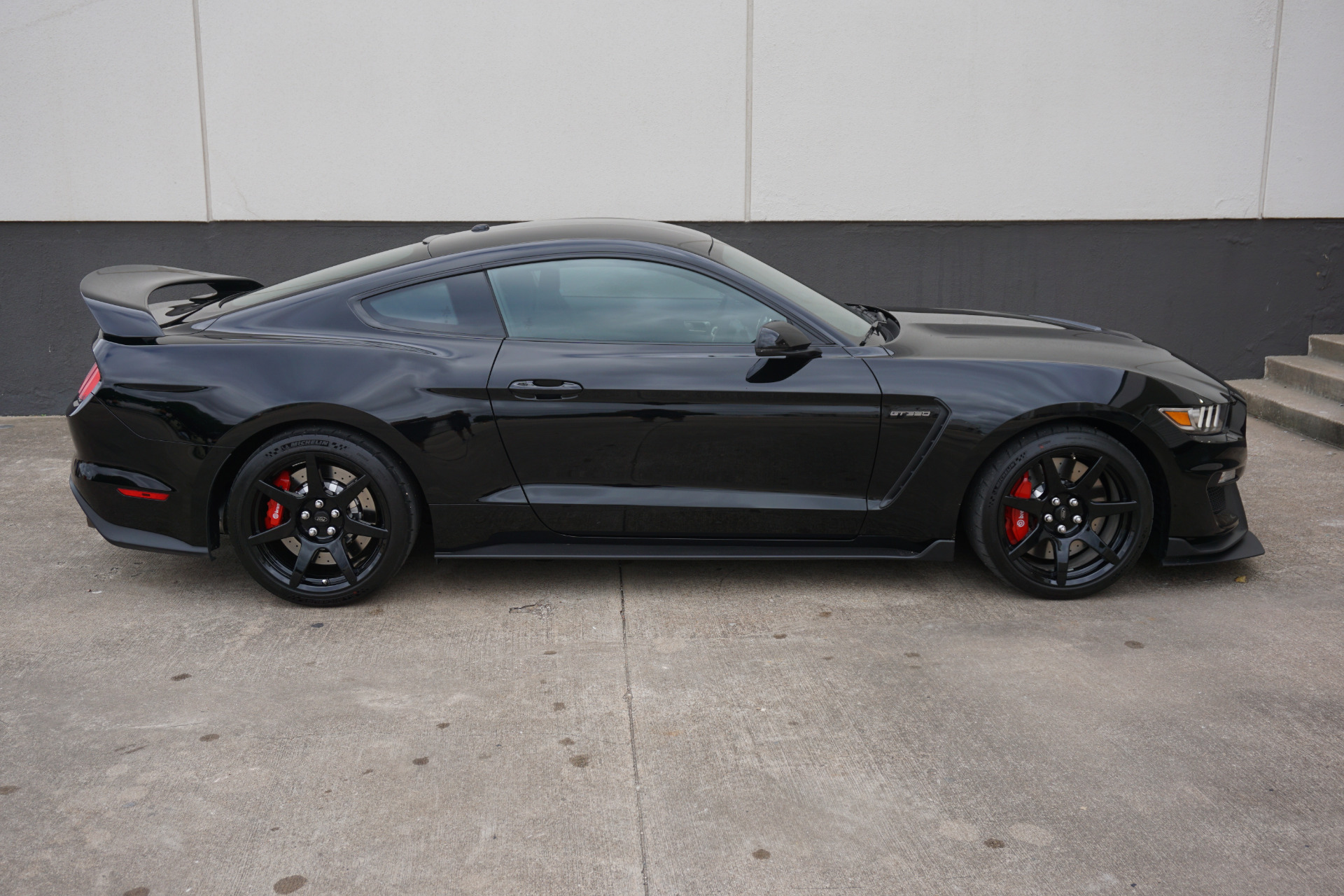 Used 2018 ford mustang shelby gt350r for sale 67900 tactical