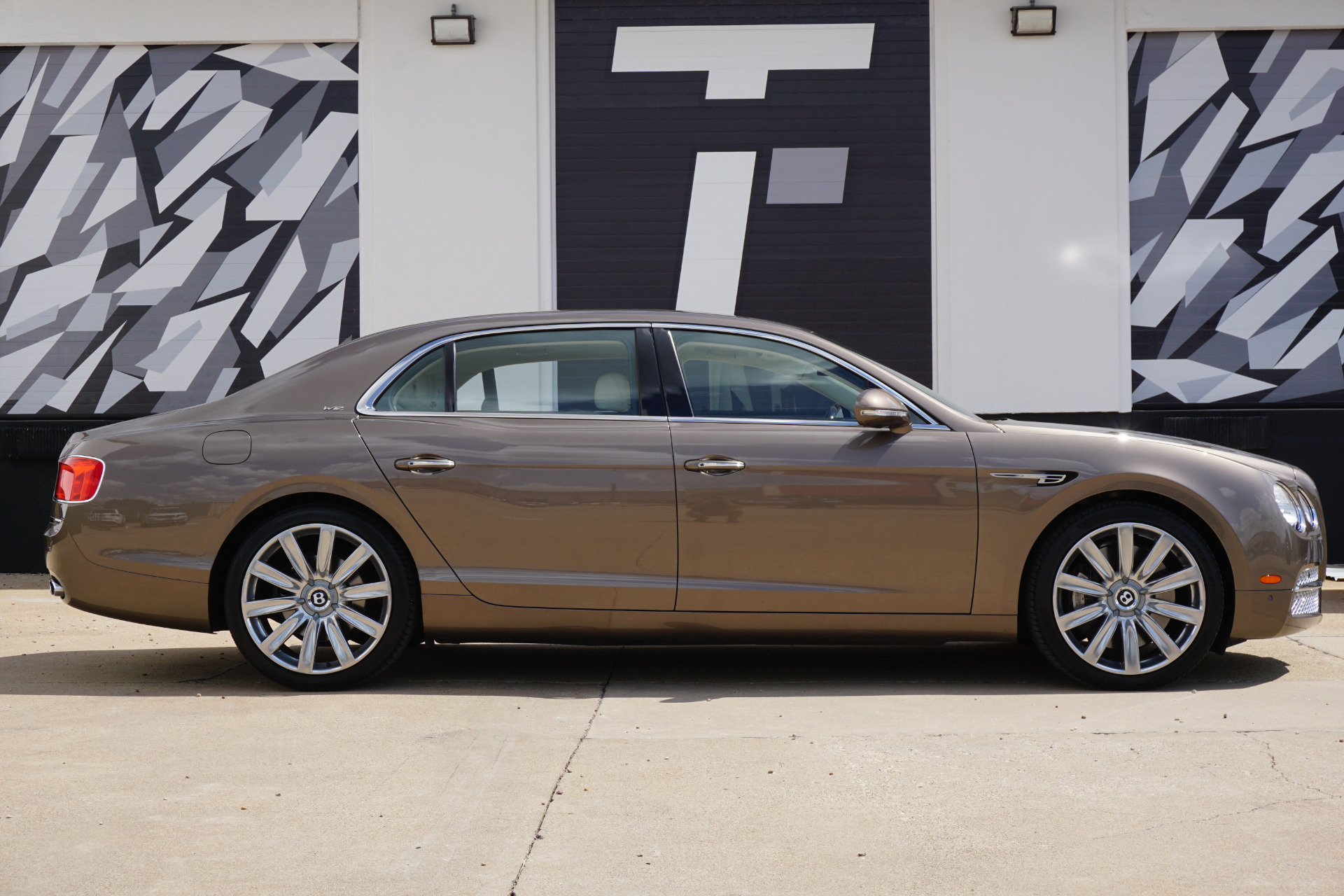 Used-2017-Bentley-Flying-Spur-W12