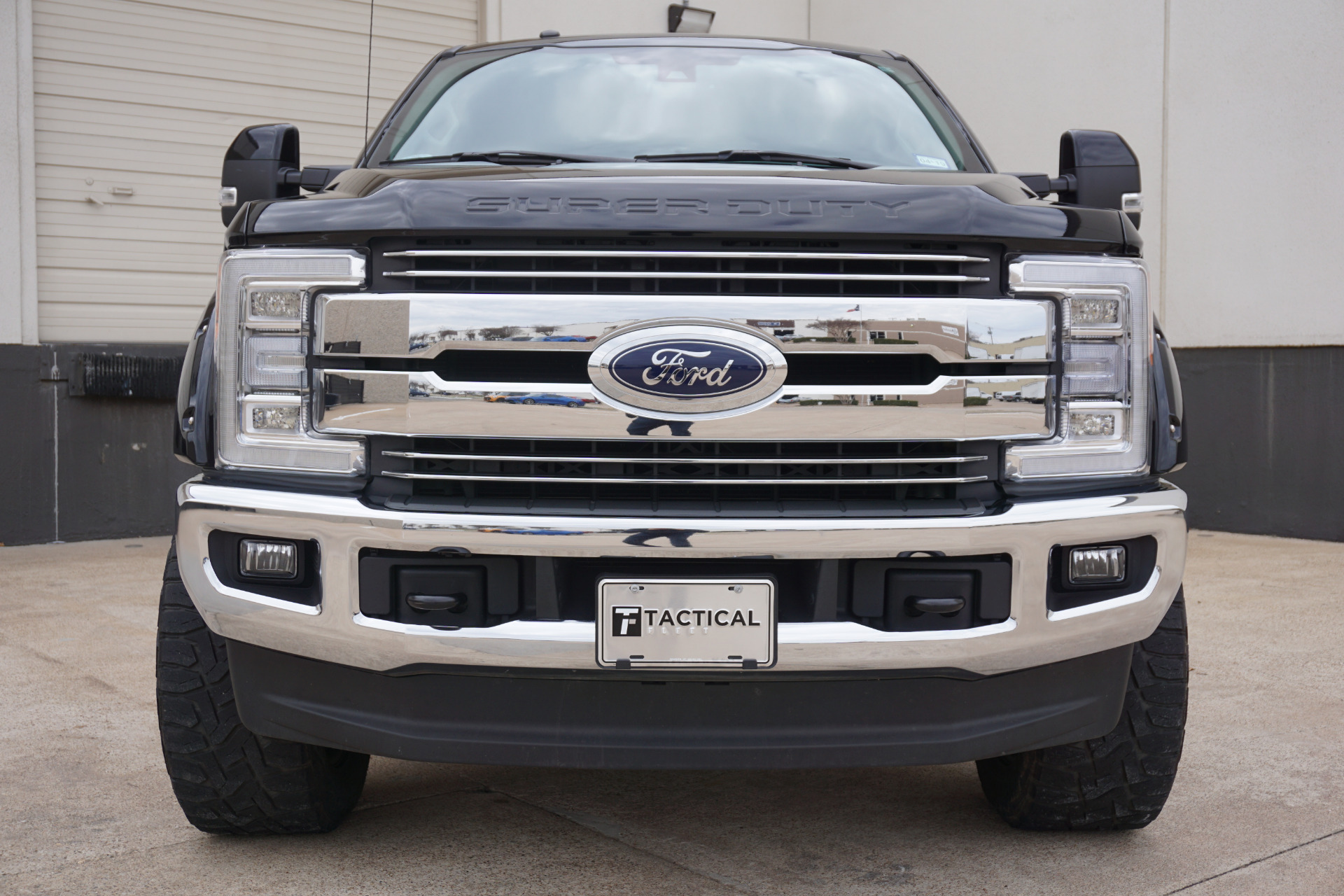 Used-2017-Ford-F-250-Super-Duty-Lariat