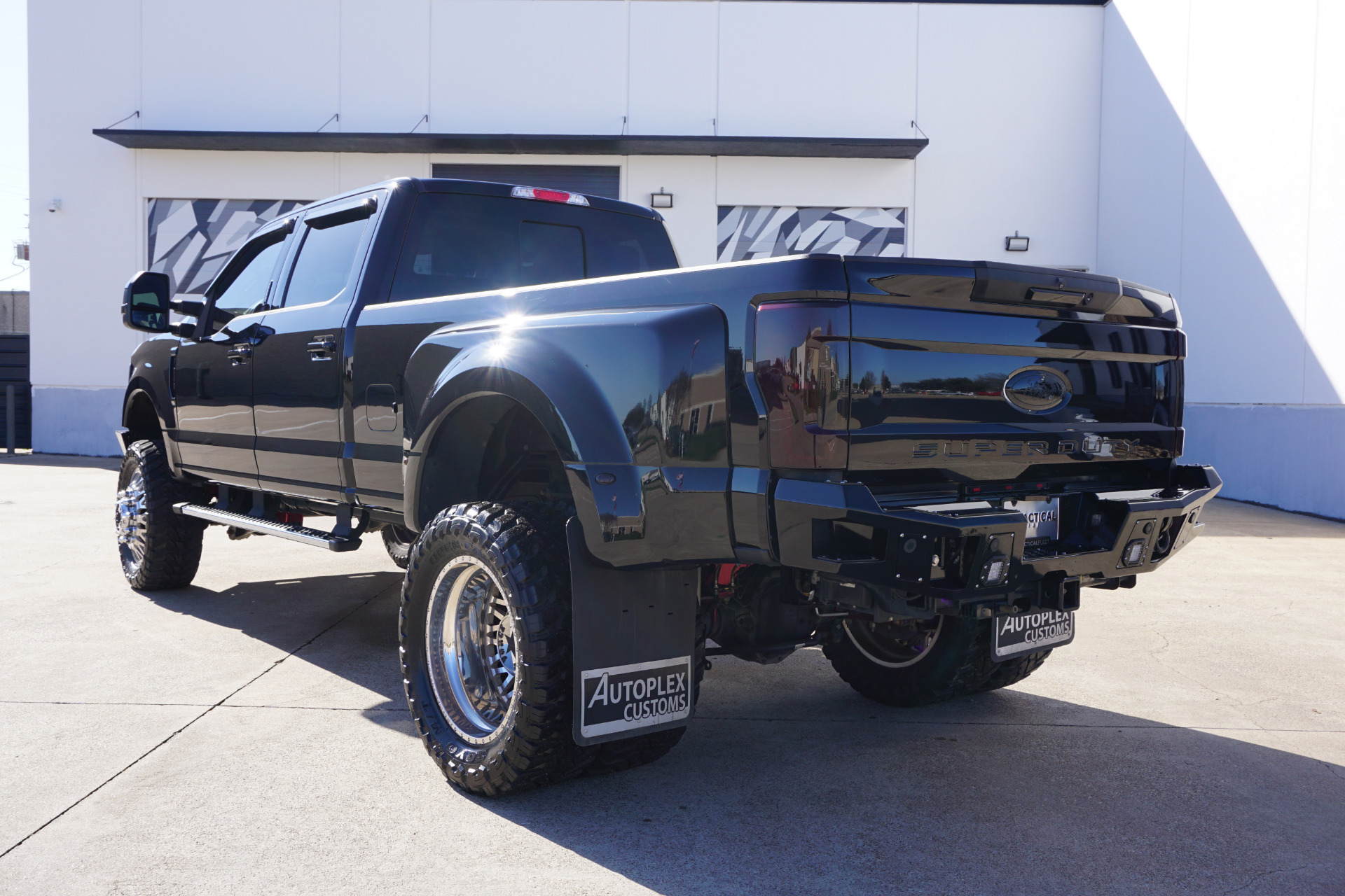 Used-2017-Ford-F-350-Super-Duty-Lariat