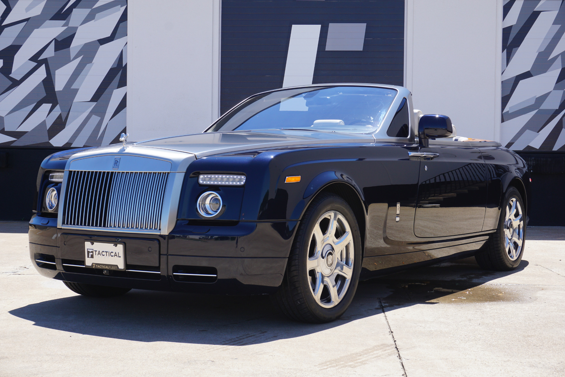 Used-2010-Rolls-Royce-Phantom-Drophead-Coupe