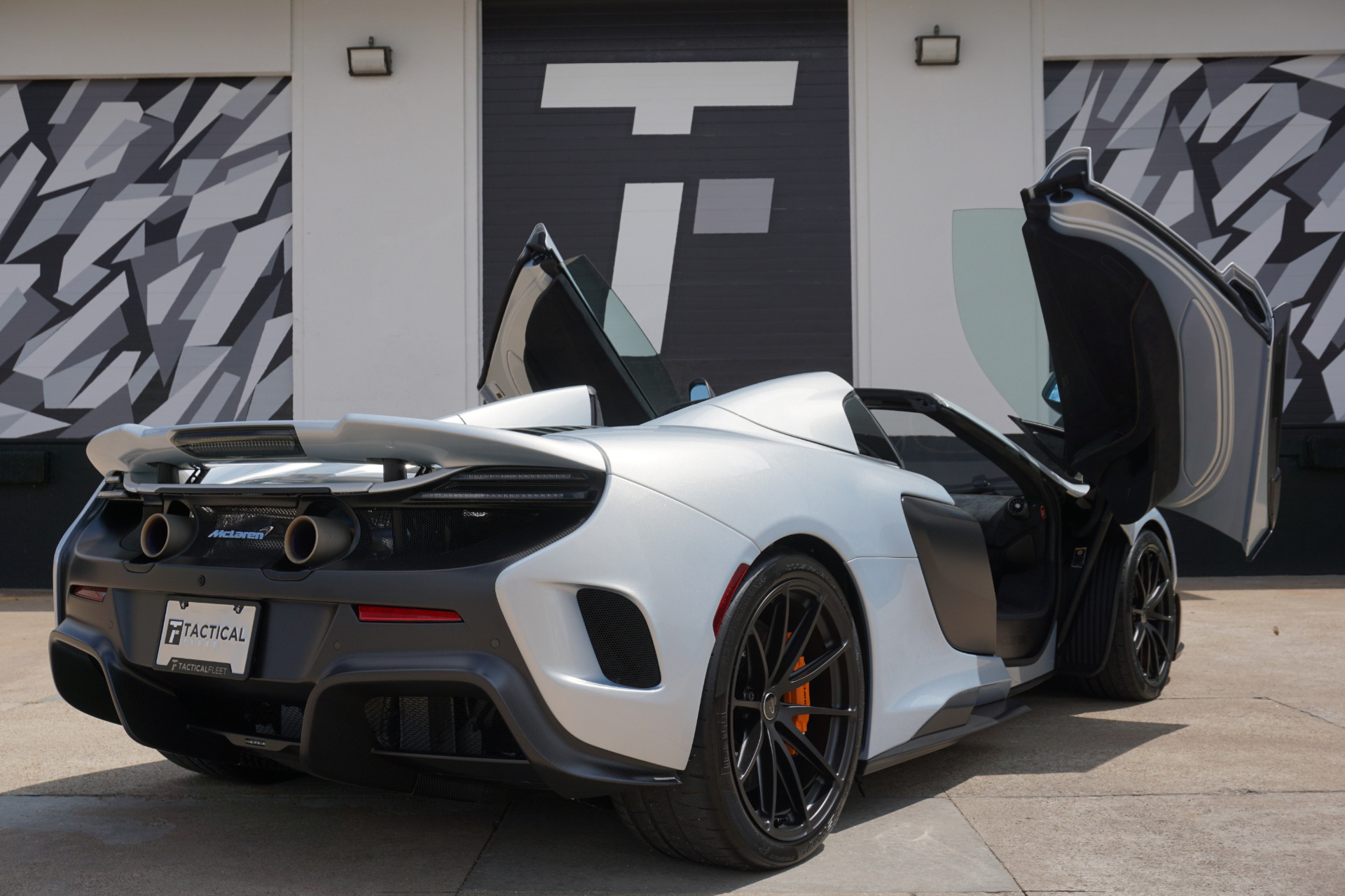 Used-2016-McLaren-675LT-Spider