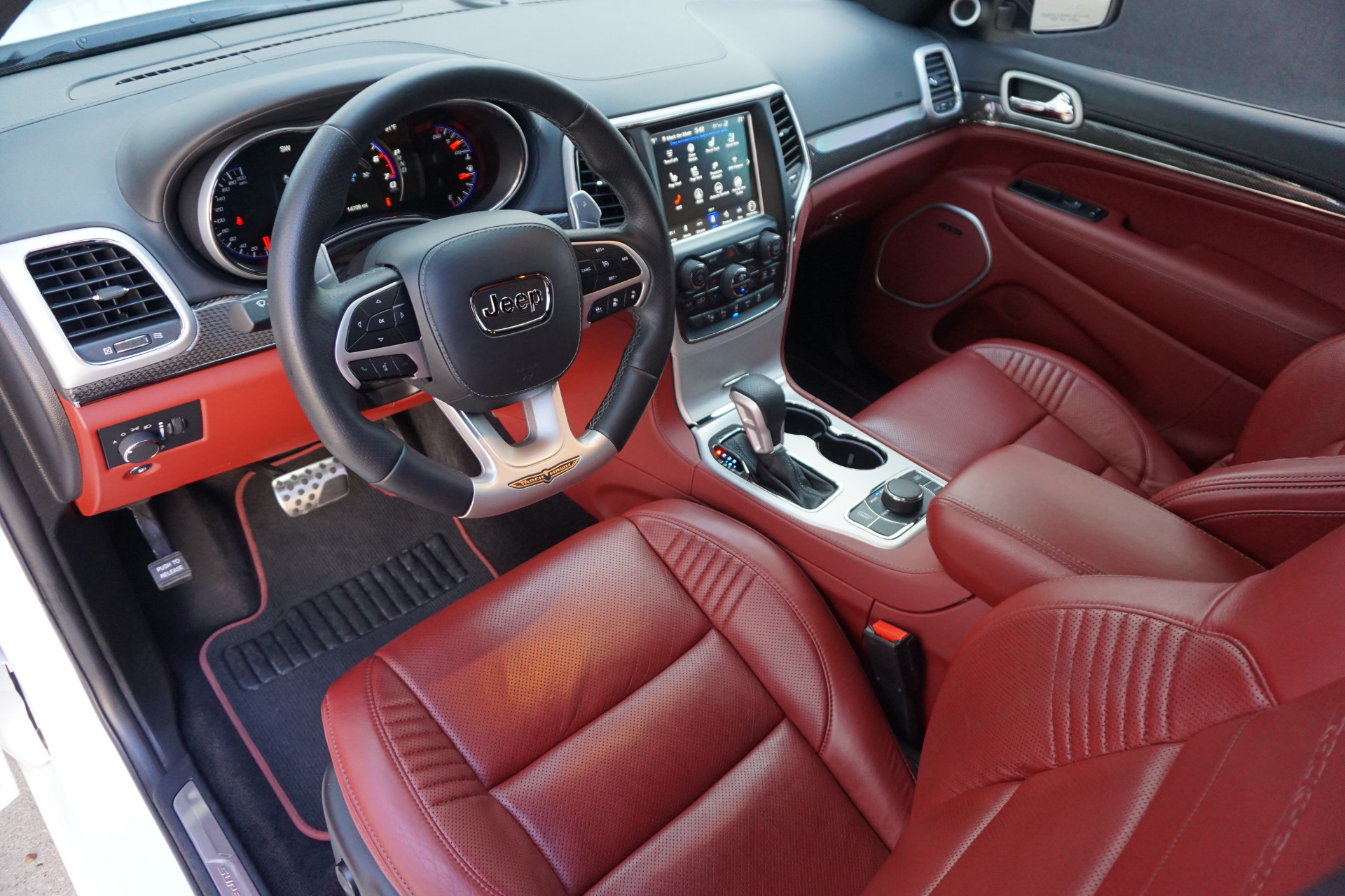 Jeep Grand Cherokee Trackhawk White With Red Interior