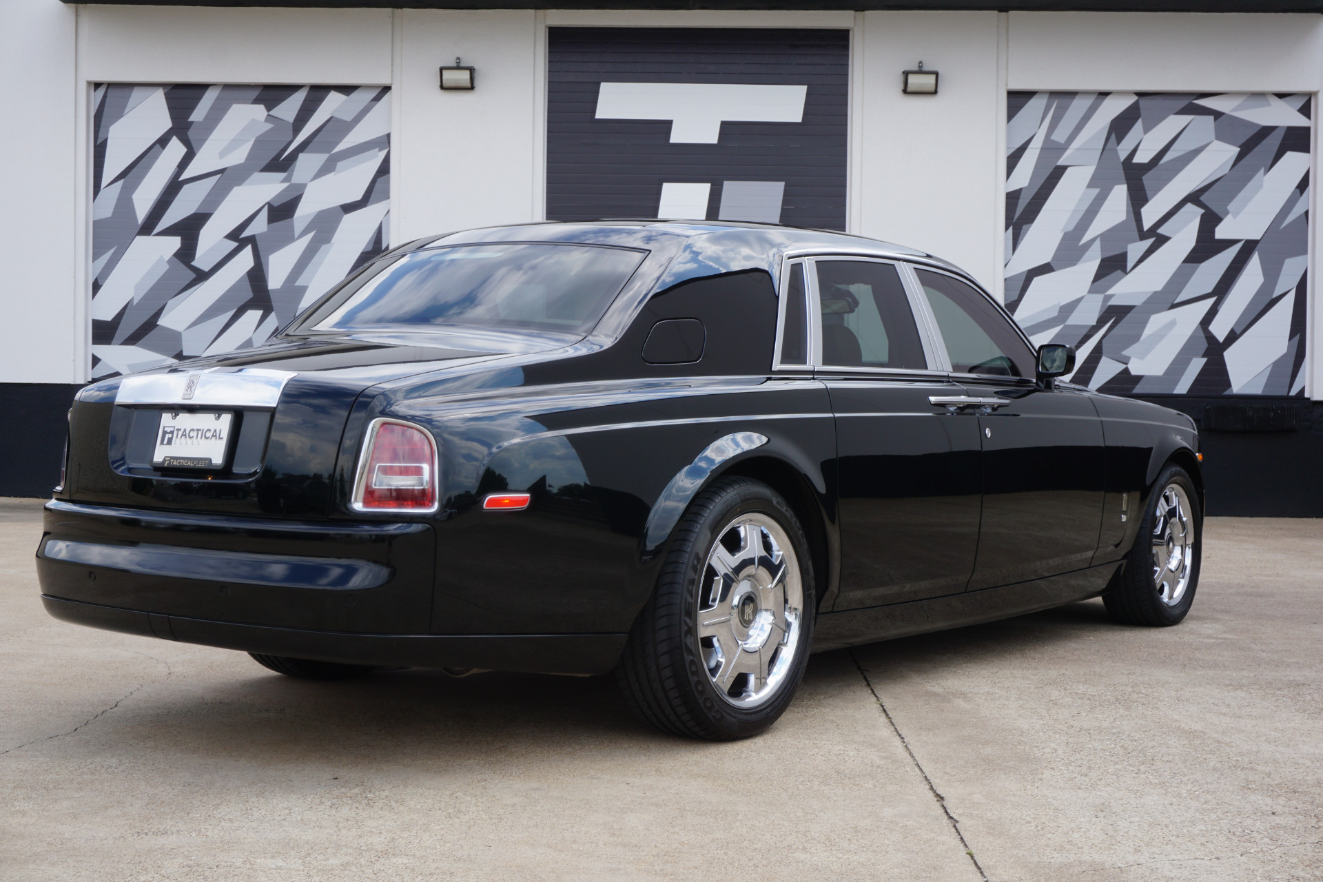 Used-2007-Rolls-Royce-Phantom