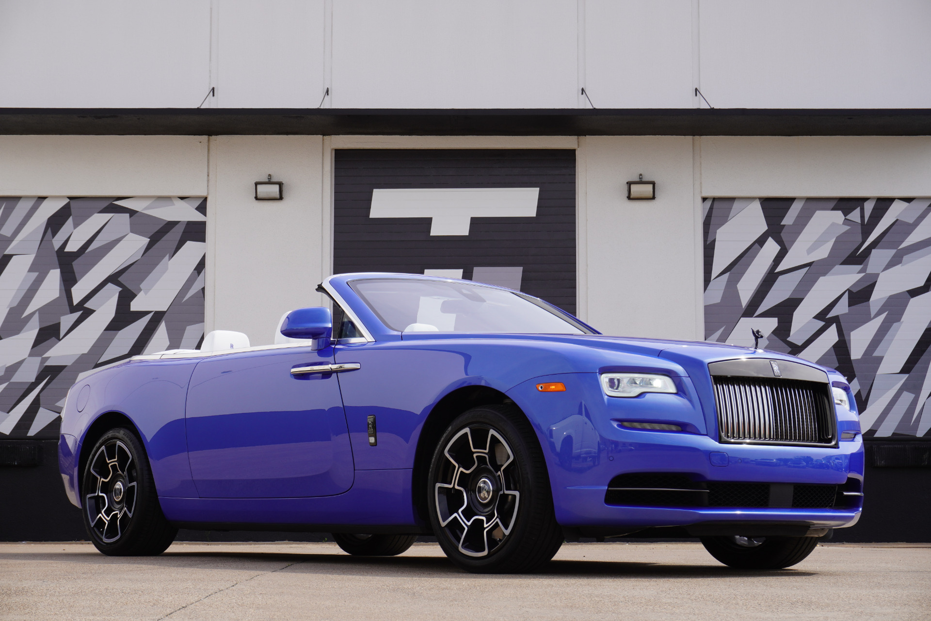 Used 2019 Rolls-Royce Dawn Black Badge | Addison, TX
