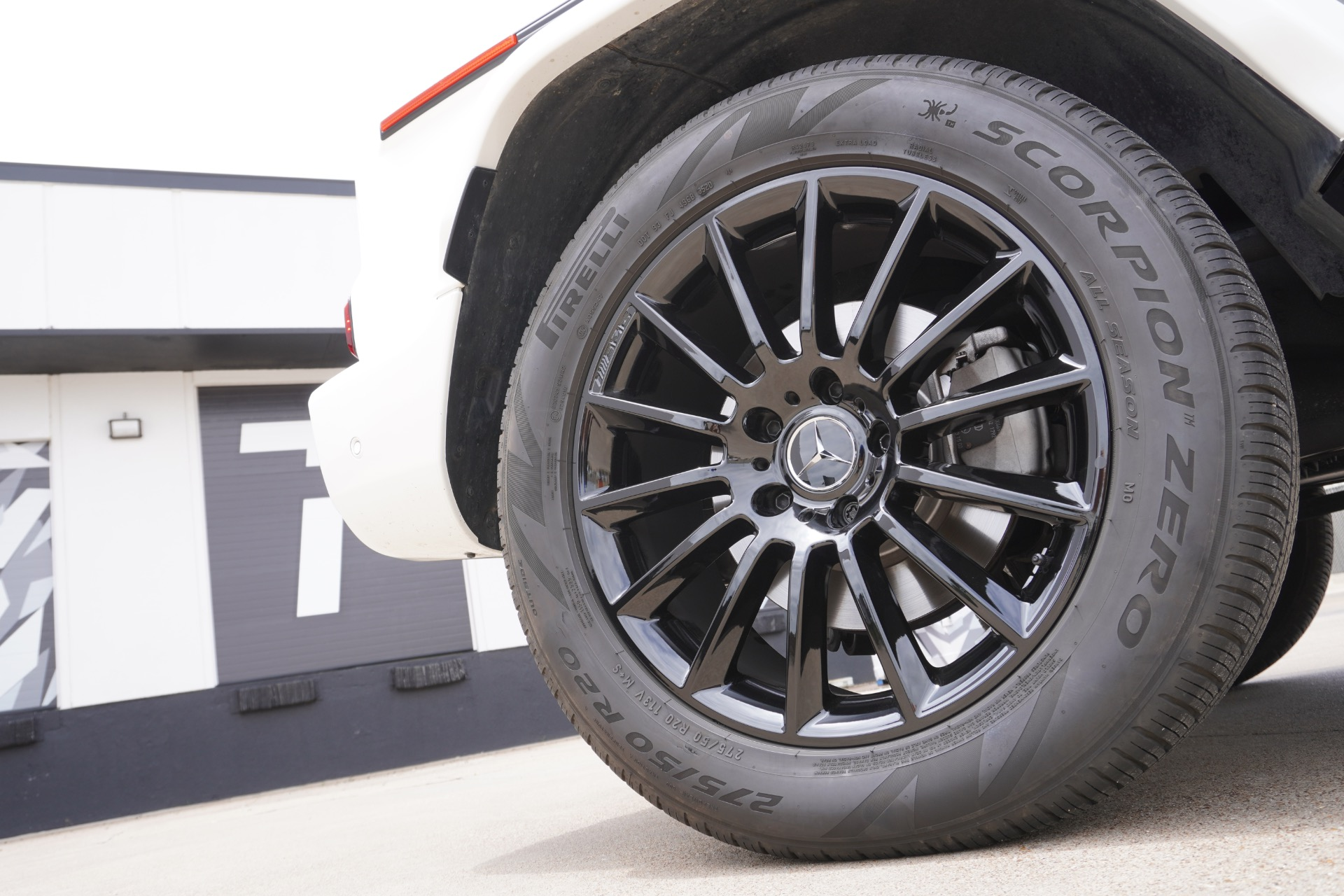 Used-2021-Mercedes-Benz-G-Class-G-550